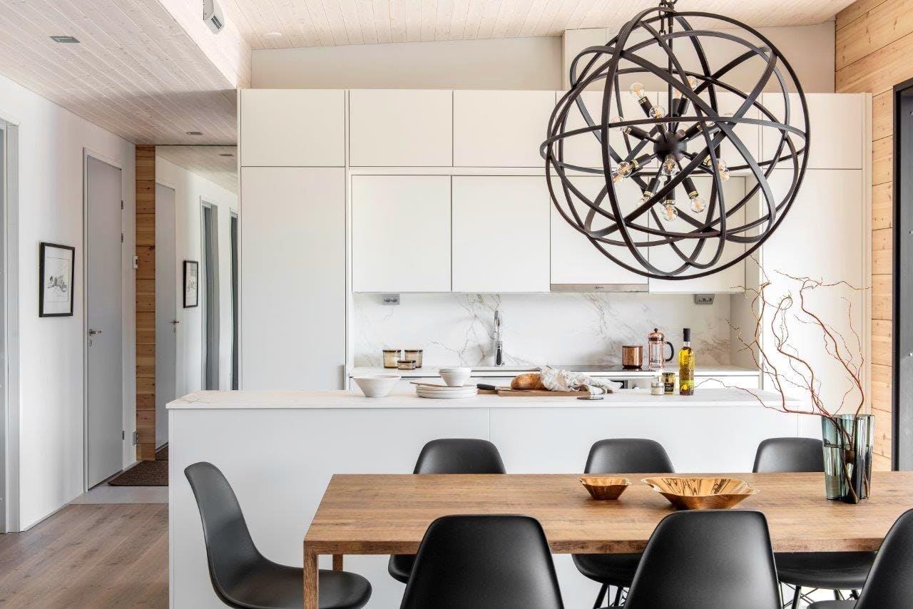 Finnish Wood House with Silestone® Bathroom and Dekton® Kitchen